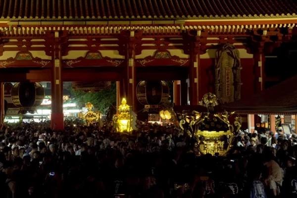 本社神輿宮入