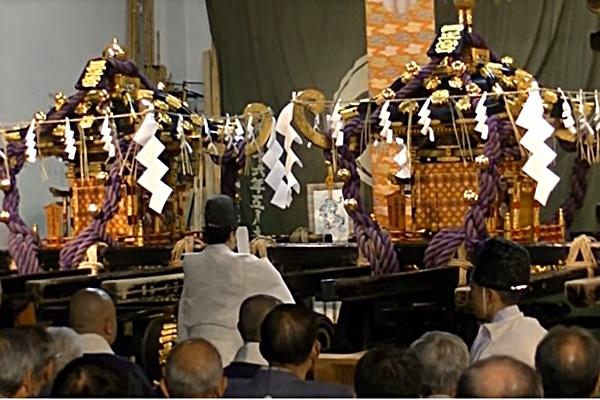 本社神輿神霊入れの儀