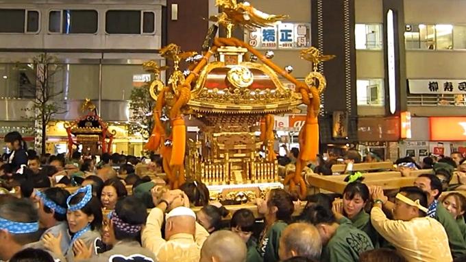 神輿パレードの画像